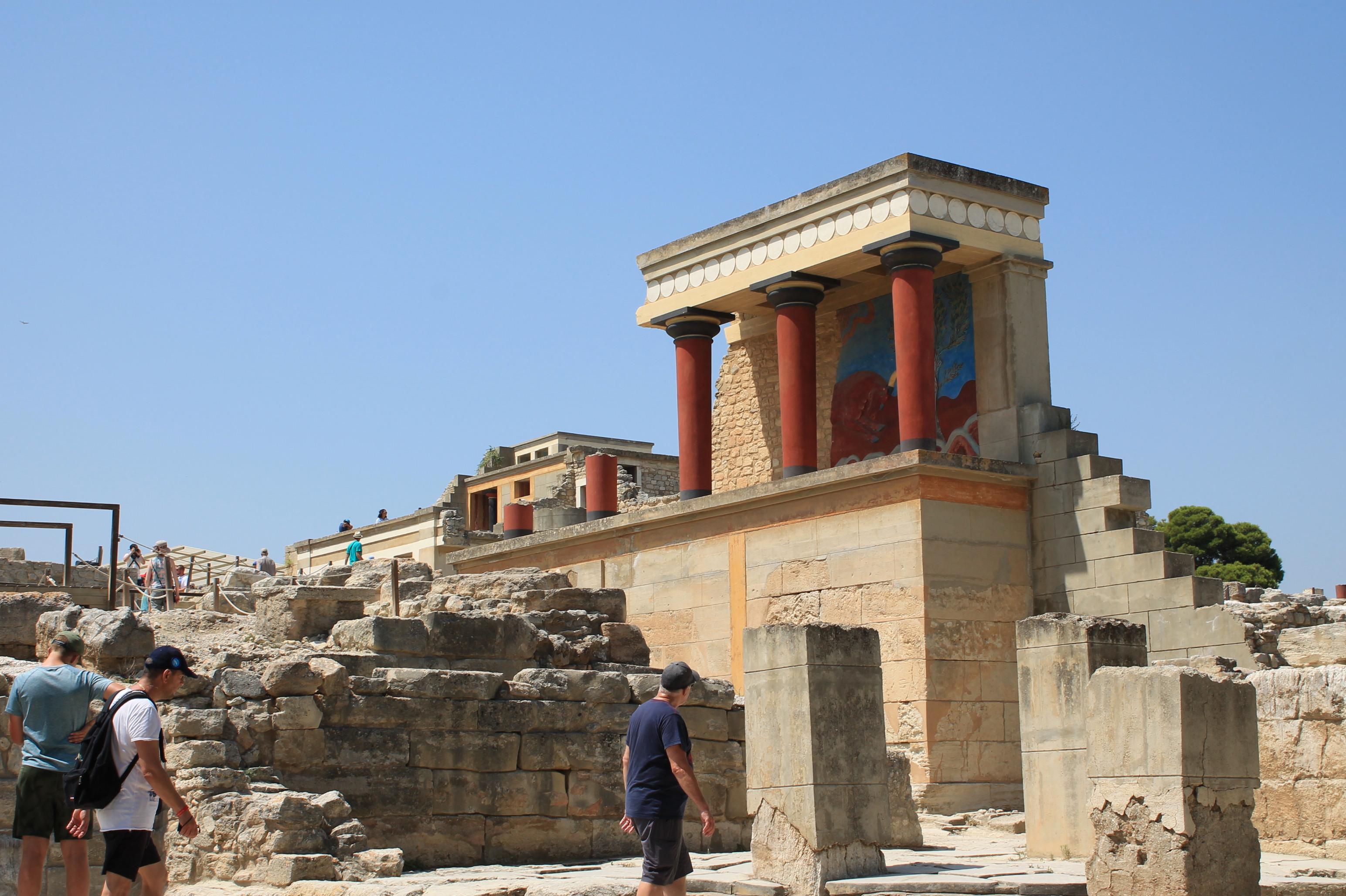 În Creta, în căutarea lui Zeus
